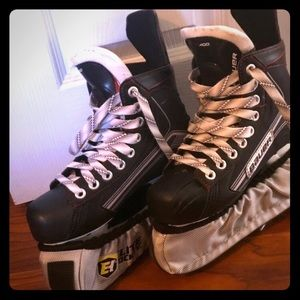Hockey skates size 2.5